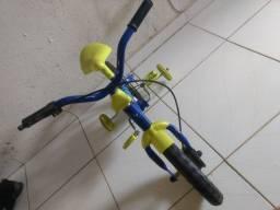 Vende bicicleta de criança