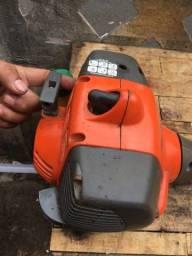 Maquina de cortar grama aparadeira a gasolina