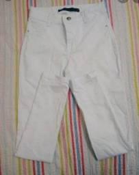 Vendo calça jeans branca cintura alta e laycra.