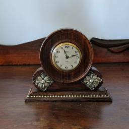 Lindo relógio Prince antigo em perfeito estado Léia a descrição