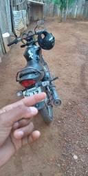 Vendo essa moto ou troco em biz moto boa de motor ta em dias