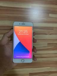 Vendo iPhone 8 Plus muito novo