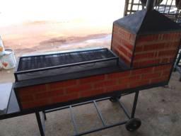 Fogão de tijolo com forno