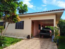 Excelente residência c/ 03 quartos (uma suíte) - A/C Chácara !!!