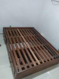 Cama de casal em madeira + colchão magnético