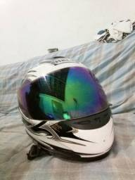 Vendo capacete Helt seminovo