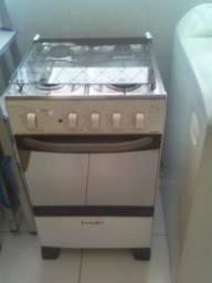 Fogão e máquina de lavar