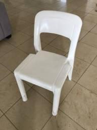 Cadeiras Plásticas Marfinite Parati Branca em quantidade!
