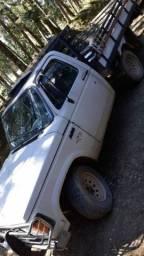D20 carroceria de madeira. 1988 aceito troca