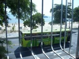 Quitinete frente à praia de Icarai