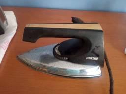 Ferro antigo para peças ou conserto