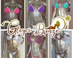 Biquíni modelo para bronze