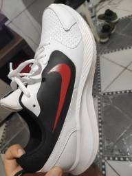 Tênis Nike semi novo