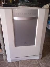 Máquina de lavar louça branca eletrolux