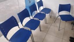 Cadeira de recepção (empilhável)
