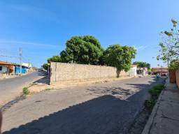 Aluguel de terreno em esquina