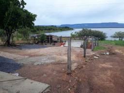 Rancho as margens da lagoa do rio Paranã