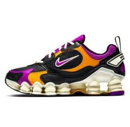 Nike 12 molas na caixa