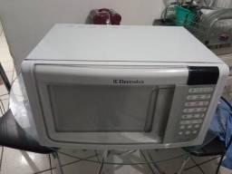 IMPERDÍVEL MICROONDAS ELECTROLUX 110V APENAS 300 REAIS AVISTA