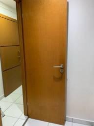 Vendo porta maciça lisa
