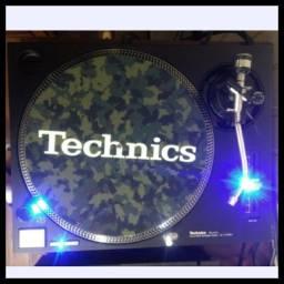 Toca Discos Technics SL-1210 MK 2 (par)
