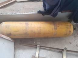 Cilindro com suporte de 30 metros