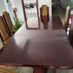 Mesa, de sala de jantar.