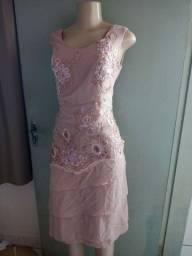 Vestido de festa todo trabalhado<br>Tamanho P