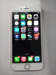 IPhone 7 32 GB com nota e ainda está na garantia.