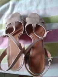 Sandália de salto, tam.38, cor beje.