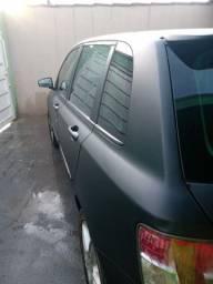 Vendo ou troca por outro carro mais novo escuto proposta