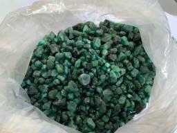 Lote de esmeraldas brutas 3600g