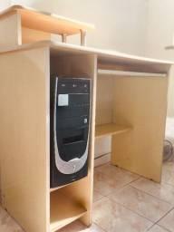 Mesa de madeira - escritório para computador