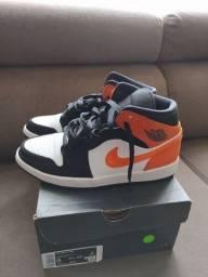 Título do anúncio: Tênis Nike Air Jordan 1 MID Nro 40,5 BR (como novo)