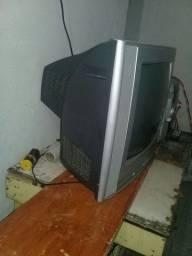 Vendo uma Tv de 20 polegadas