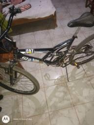 Bicicleta semi nova! Aro 29 4 meses de uso.