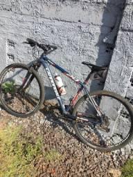 Bicicleta cannondale semi nova
