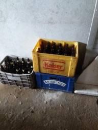 Vendo engradados de cerveja 25