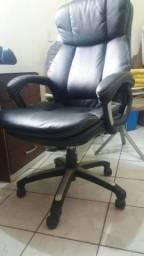 Cadeira Giratotia muito confortável