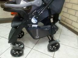 Carrinho e bebê confonto