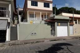 Vendo- Casa com três dormitórios, a 1 km do Centro de São Lourenço!