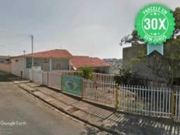 G) JB13597 - Casa e terreno com 300m² na cidade de Alfenas em LEILÃO