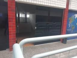 1181 - Sala Comercial Bem Localizada em Candeias - Mezanino - WC - Portaria 24 hrs
