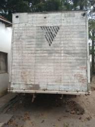 Baú de caminhão vendo ou troco