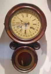 Relógio de parede oito com calendário, marca ansônia