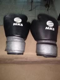 Vendo luvas para Muay Thai, box e kickboxing