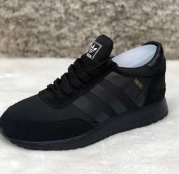 Tênis original Adidas iniki