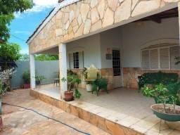 Casa Em Varzea Grande Com 3 Quartos.
