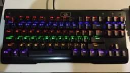 Teclado Gamer Mecânico Redragon Visnu Rainbow, Switch Blue, ABNT2, Black, K561R