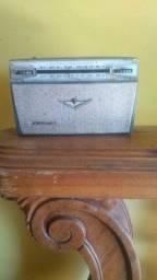 Rádio charp V8